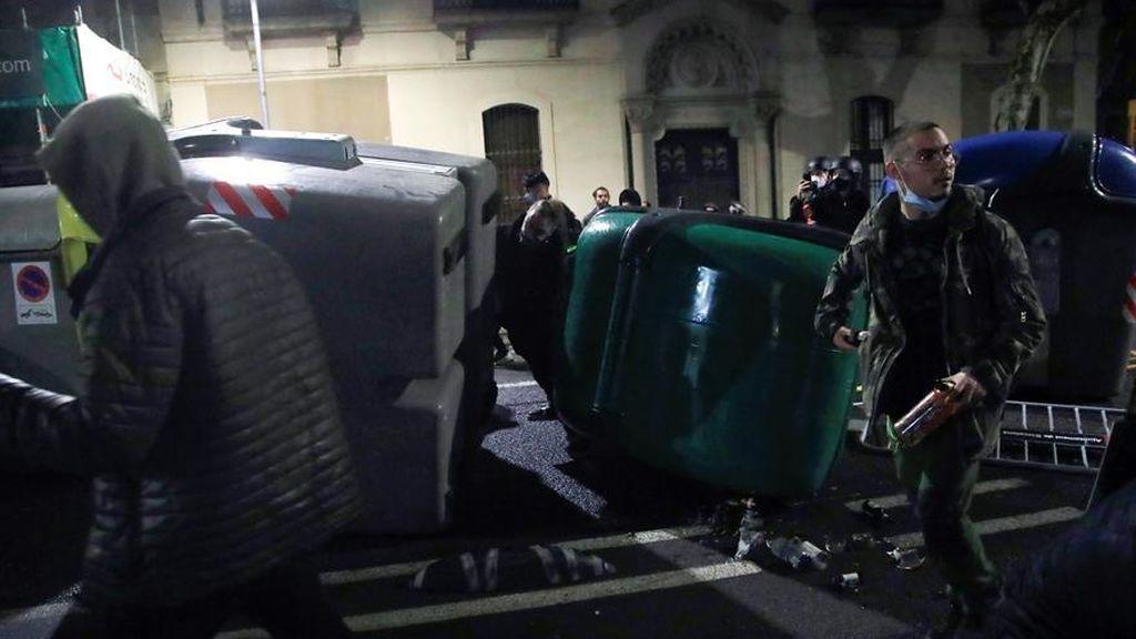 Séptima noche de disturbios en Cataluña