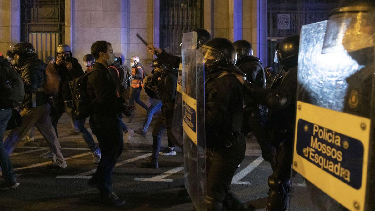 """Perfil de los manifestantes en favor de Hasél: indignados muy jóvenes movilizados por """"la gota que ha colmado el vaso"""""""