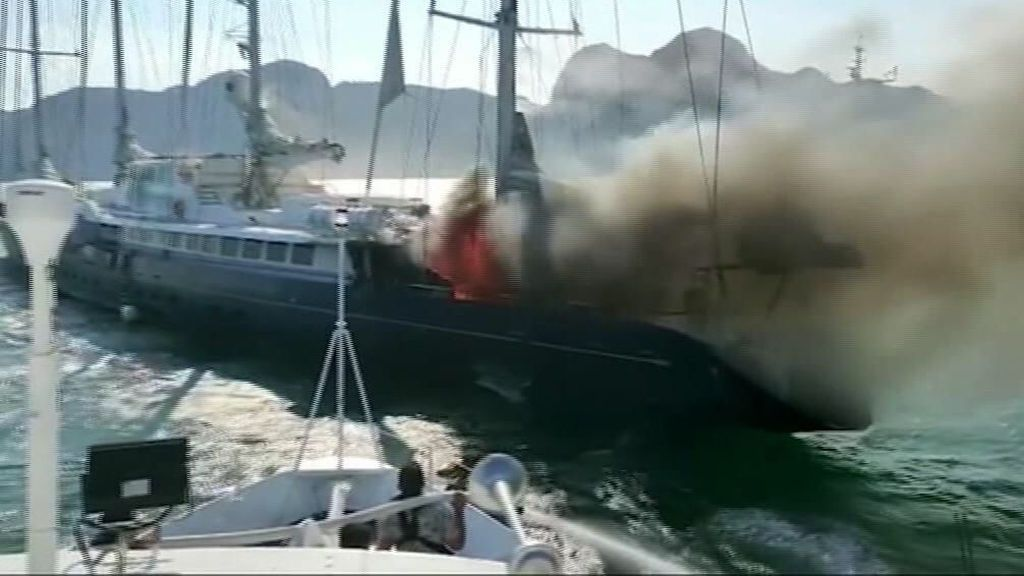 Un incendio hunde el Phocéa: un velero récord que pasó a ser un capricho del magnate Bernard Tapie