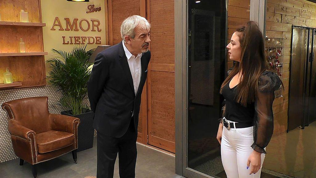"""Carlos Sobera advierte a Sandra: """"Si te quieres ir estás a tiempo, te ha tocado una buena pieza"""""""