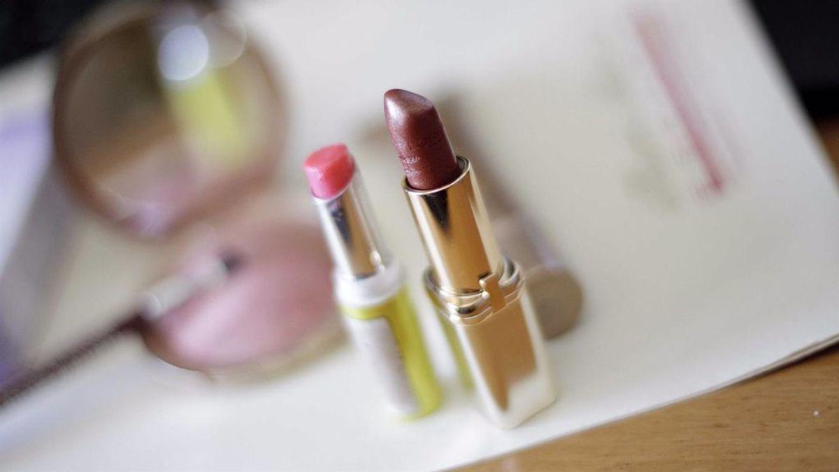 Sustancias presentes en pintalabios, cremas o tintes pueden aumentar el riesgo de padecer endometriosis