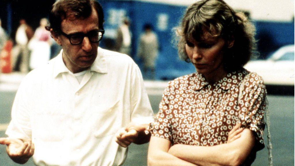 """""""No buscan la verdad"""": Woody Allen estalla ante las acusaciones sobre abusos en el documental sobre Mia Farrow"""
