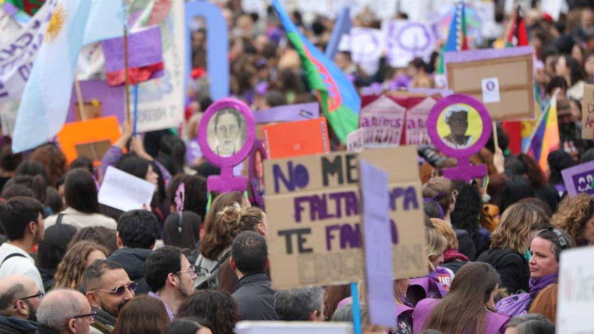 El Gobierno de Madrid se reúne con el 8M para buscar alternativas a las marchas multitudinarias