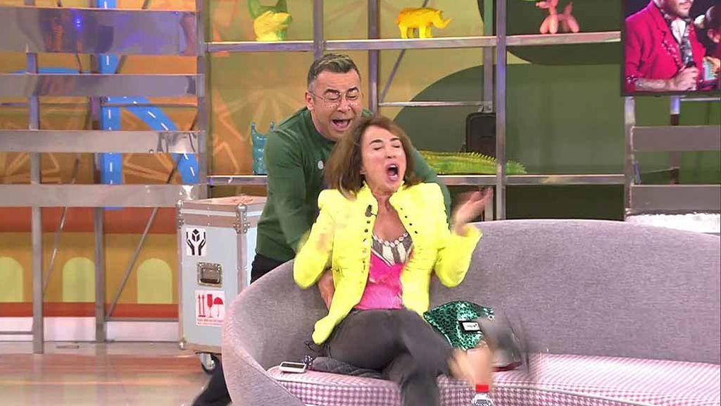 """El sustazo de Jorge Javier Vázquez que descalza a María Patiño: """"¡Ese tacón es un misil!"""""""