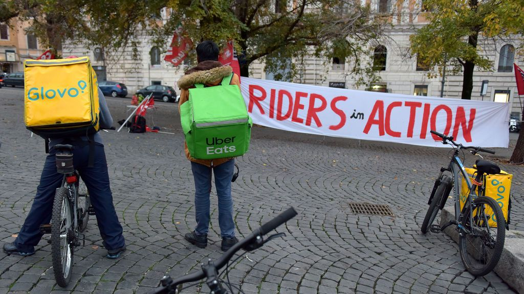 La Justicia italiana ordena la contratación de 60.000 'riders'