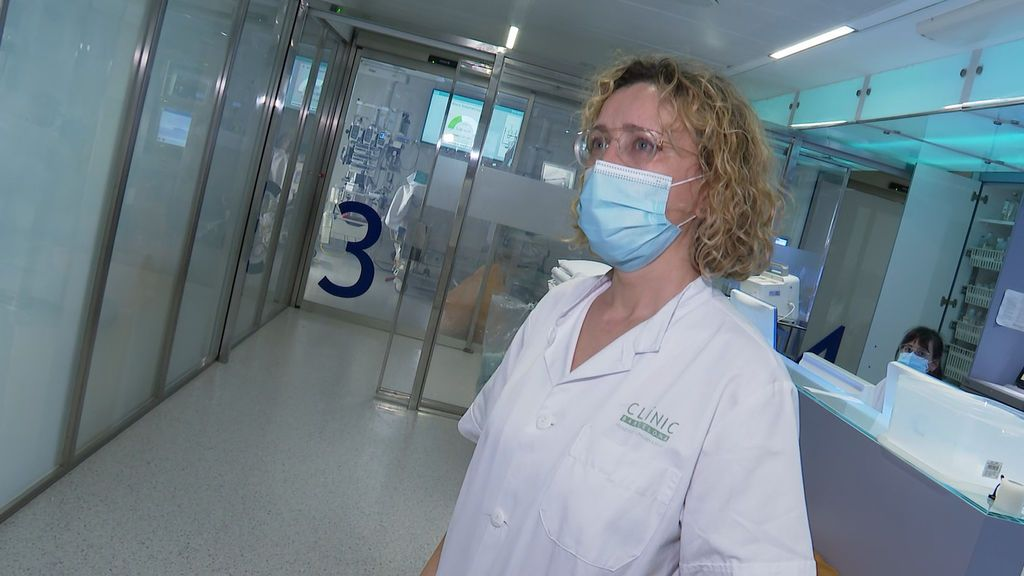 Manuela León, enfermera de la UCI del Hospital Clínic de Barcelona