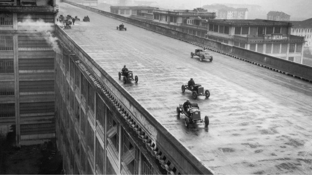 Se fabricaban los coches abajo y se probaban arriba: la pista de carreras en la azotea de la fábrica Fiat en Turín