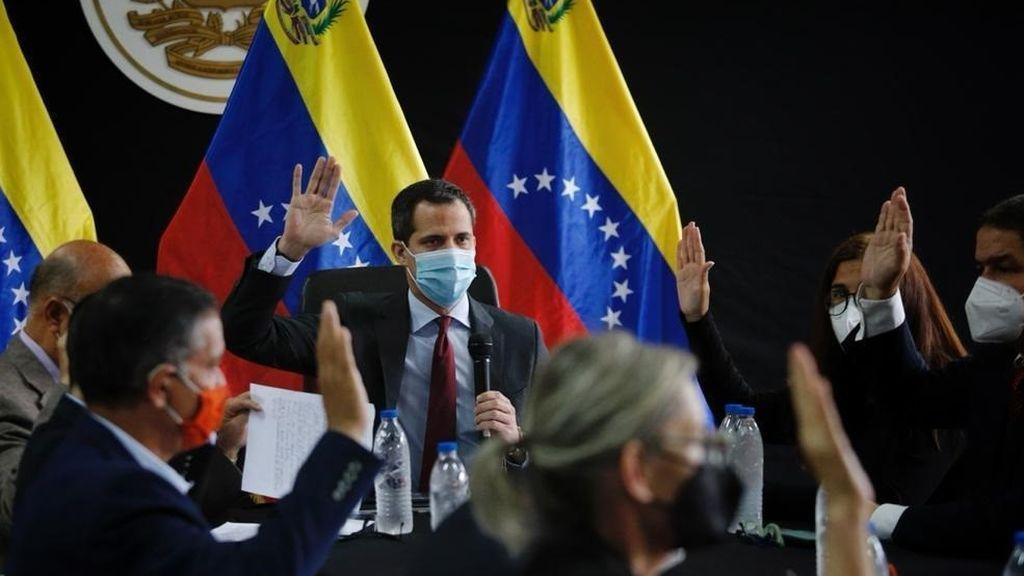 Maduro inhabilita 15 años al líder opositor venezolano Juan Guaidó