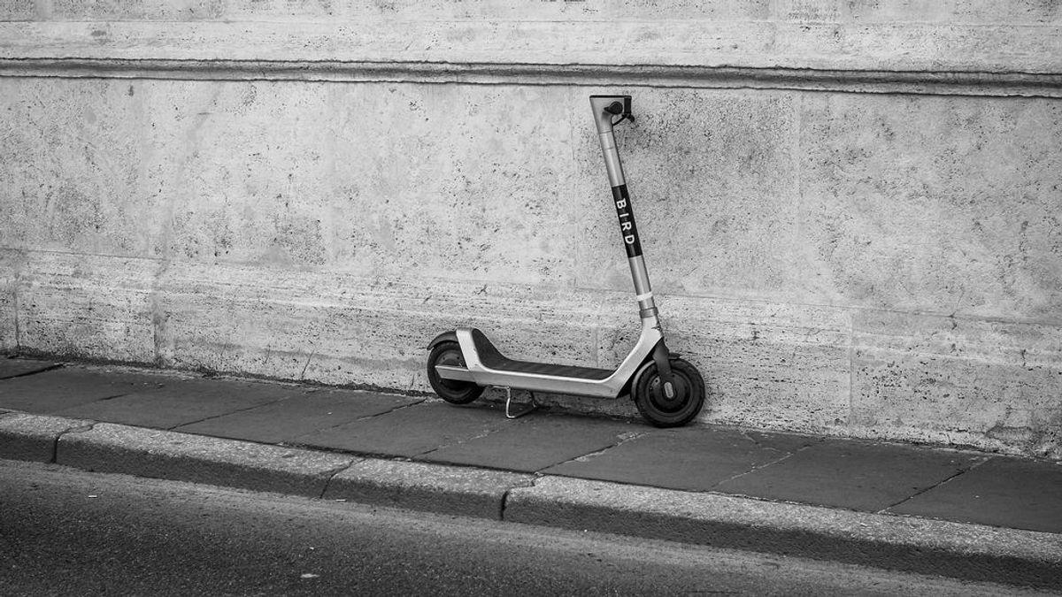 Falsos mitos sobre el patinete eléctrico: ni es tan 'eco' como creías, ni tan sostenible como parece