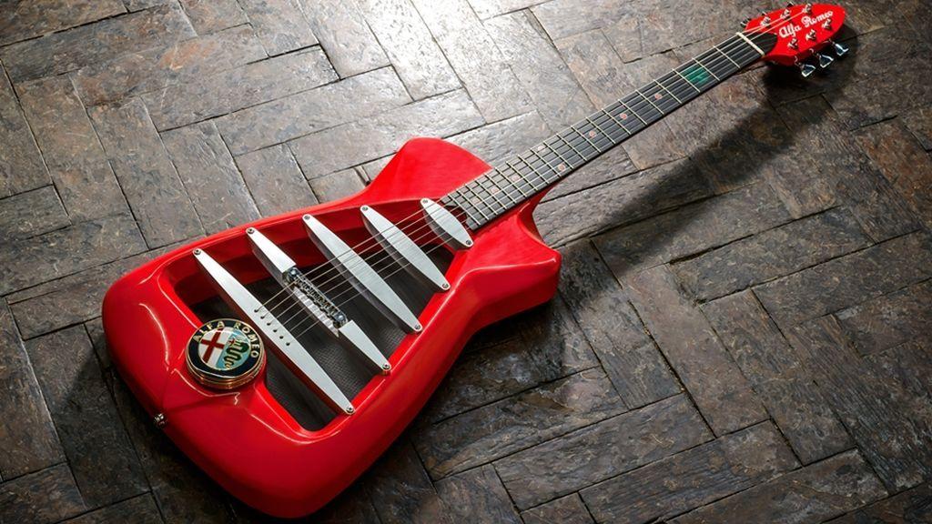 La única guitarra del mundo asociada  a una marca de coches es esta Alfa Romeo