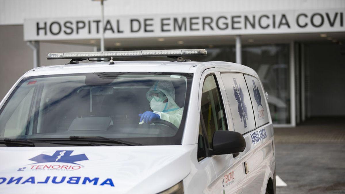 Traslado de pacientes al Hospital de Emergencia Covid de Sevilla