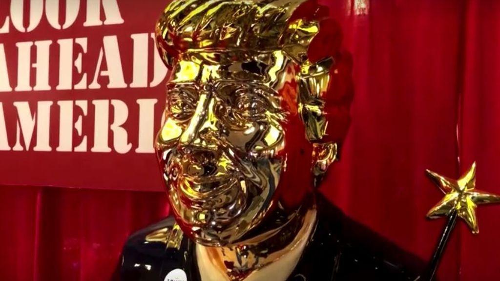 La estatua dorada de Trump