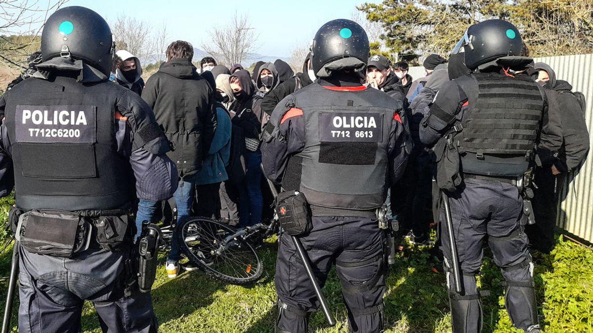EuropaPress_3582955_60_personas_cortado_ap-7_altura_sant_gregori_girona_catalunya_espana