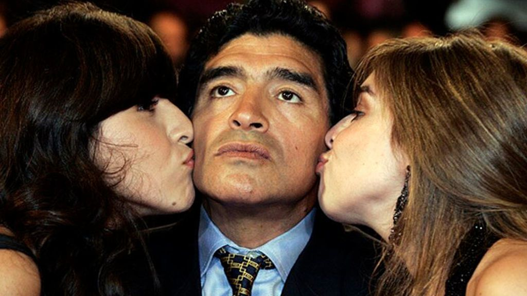"""Las hijas de Maradona declaran ante el juez y vuelven a señalar al médico y la psiquiatra: """"A mi papá le daban una pastilla misteriosa"""""""