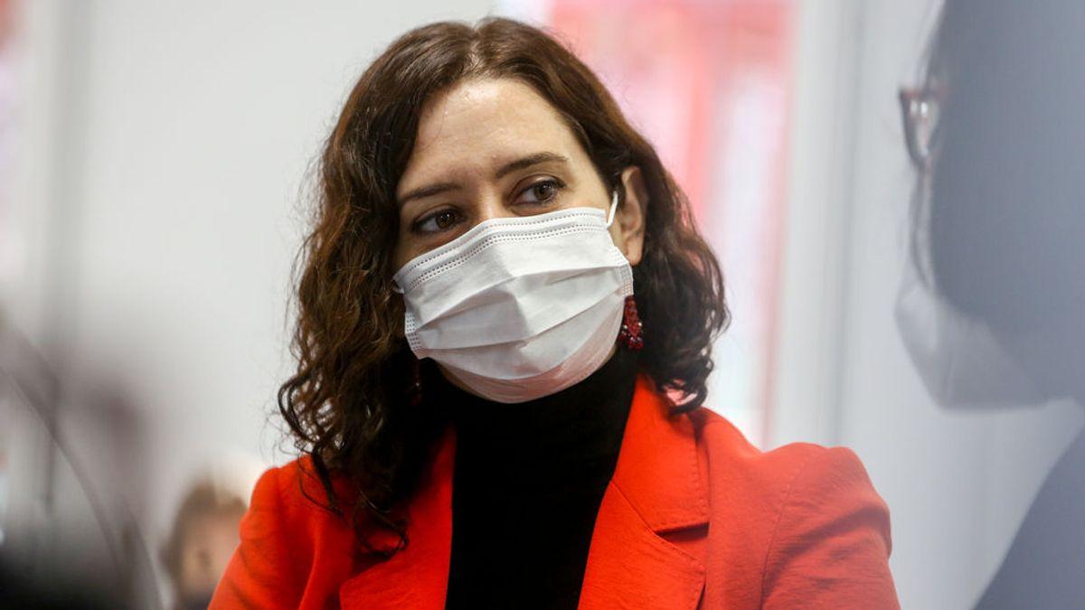 """Ayuso insiste en que Madrid tiene la logística adecuada para vacunar pero """"no las dosis suficientes"""""""