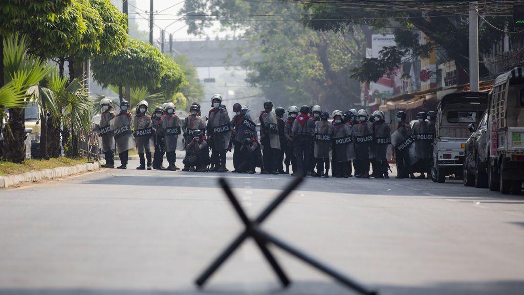 Protestas contra el golpe militar en Birmania