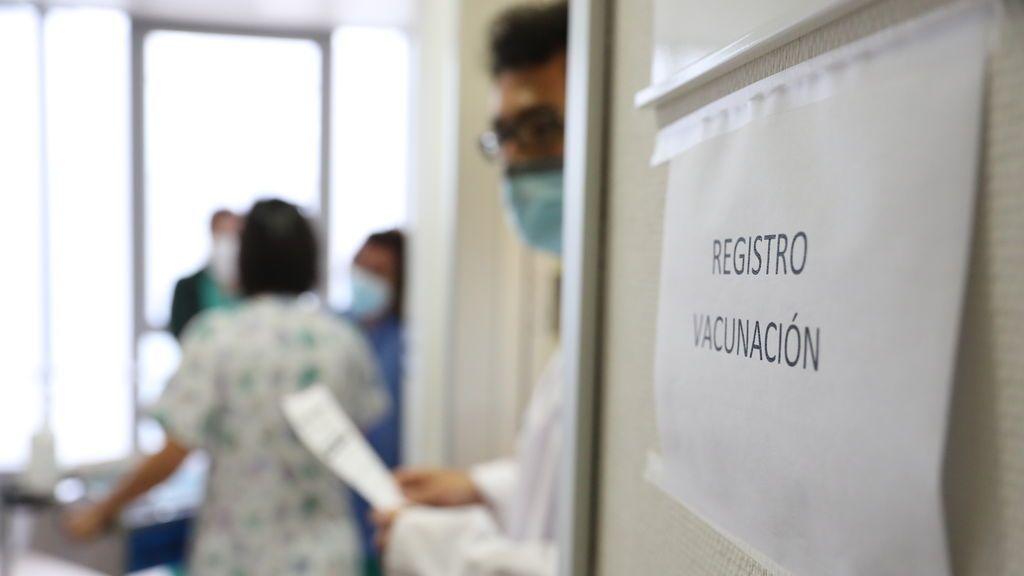 Bajan los contagios y los fallecidos en Madrid, pero suben los hospitalizados