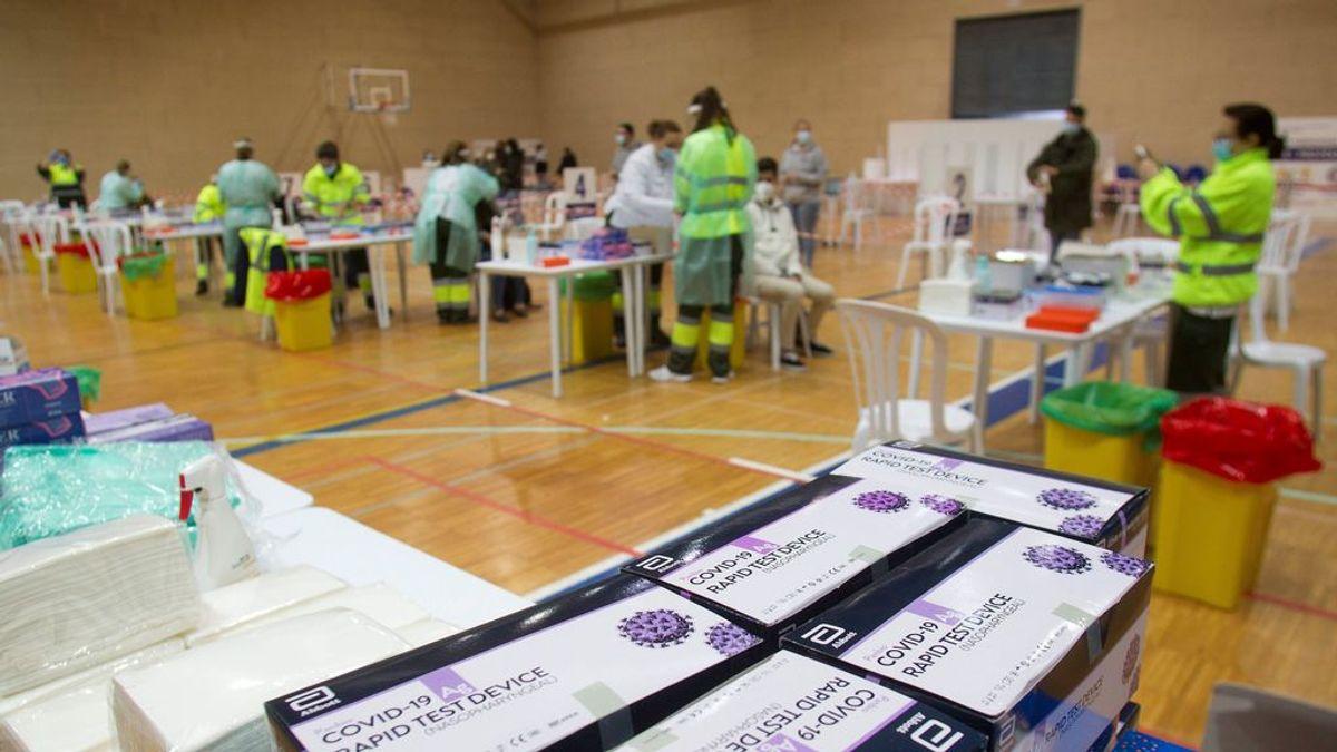 Los casos en fin de semana en España siguen descendiendo