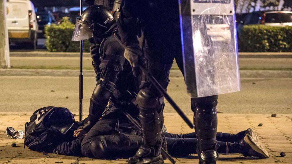 La CUP y su deseo de eliminar los antidisturbios, moneda de negociación por la investidura de Aragonès