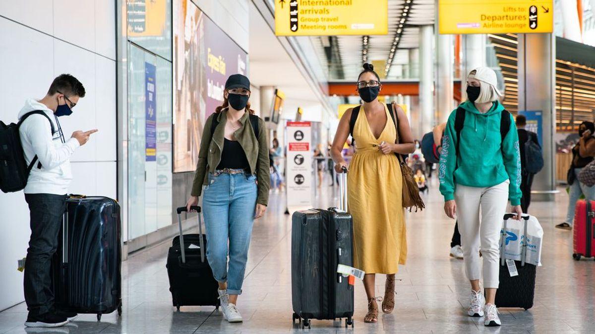 Crece la preocupación en Reino Unido porque la variante brasileña impida las vacaciones en el extranjero