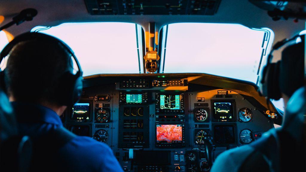 La cabina de un avión