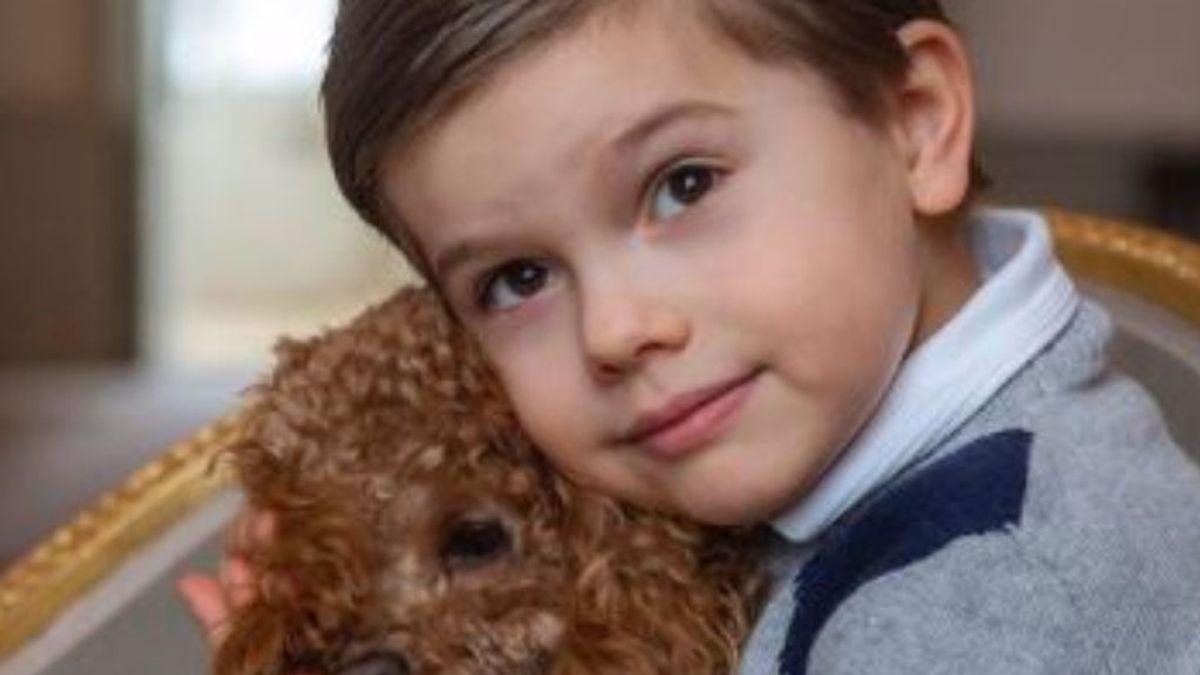 El príncipe Oscar de Suecia cumple cinco años y su familia lo celebra con una sesión de fotos