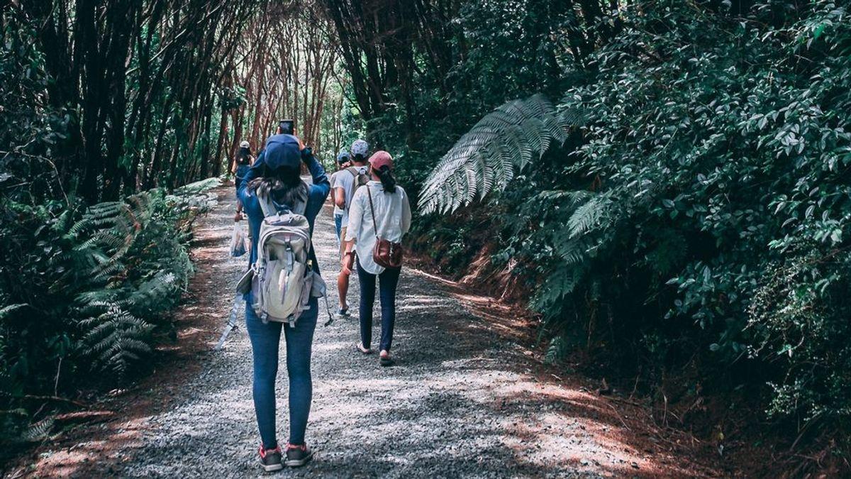 Quedar en un parque, salir a la montaña o bailar al aire libre: las recomendaciones de Sanidad