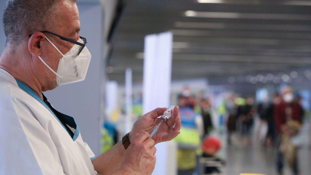 Madrid registra 1.378 casos y los hospitalizados por Covid bajan en un centenar