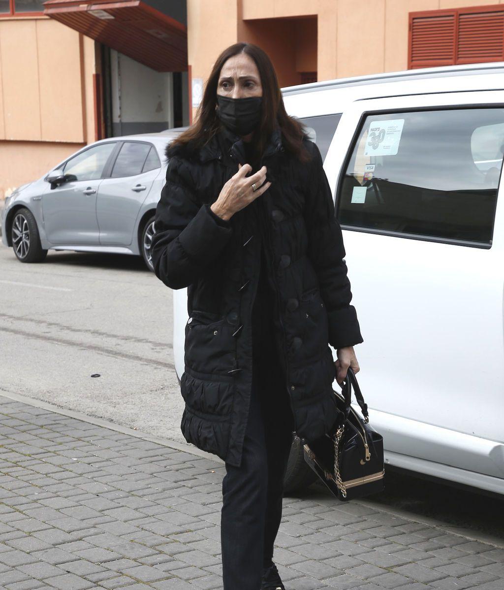 María Barranco llega al Tanatorio Norte de Madrid
