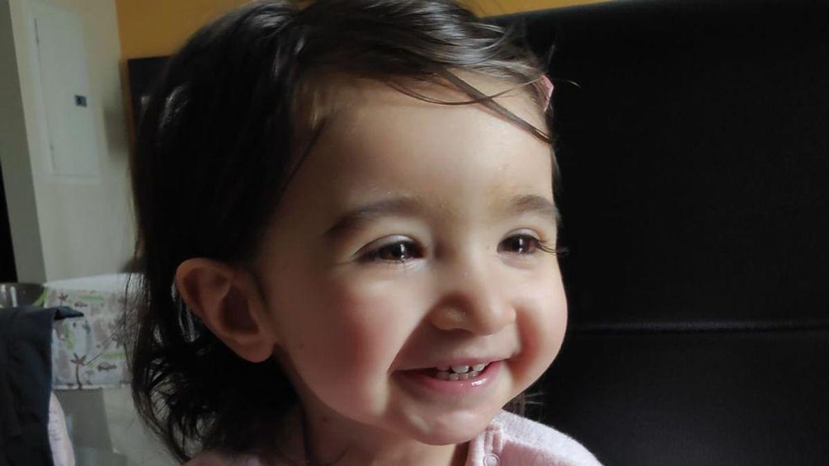 """Zoe vuelve a casa para disfrutar de una """"vida normal"""": La pequeña ha sido intervenida con éxito de cardiopatía que ponía en peligro su vida"""