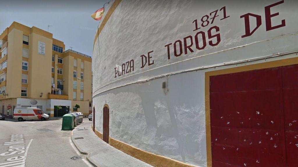 Exterior de la plaza de toros de San Fernando