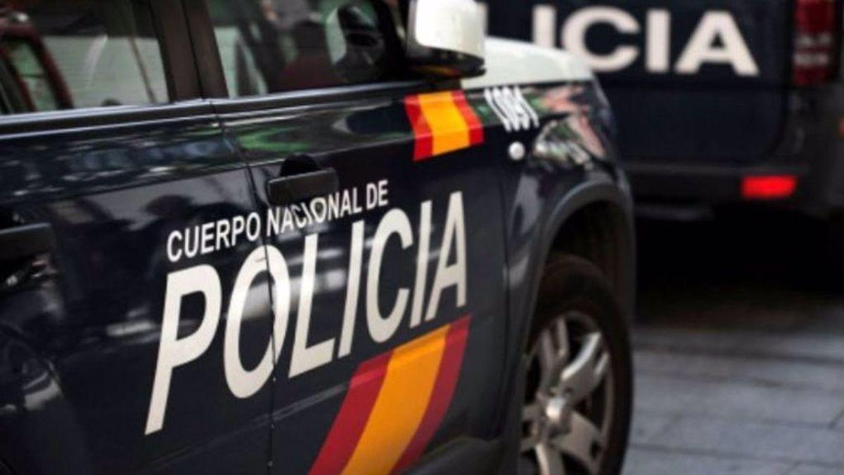 La Policia Nacional detiene a cuatro atracadores tras hacerse pasar por agentes del CNI para robar en un comercio