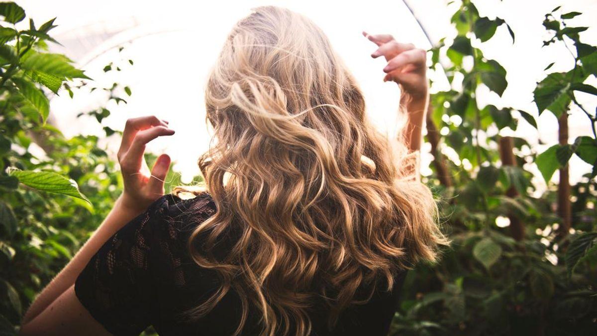 Cómo hacer ondas en el pelo con la plancha