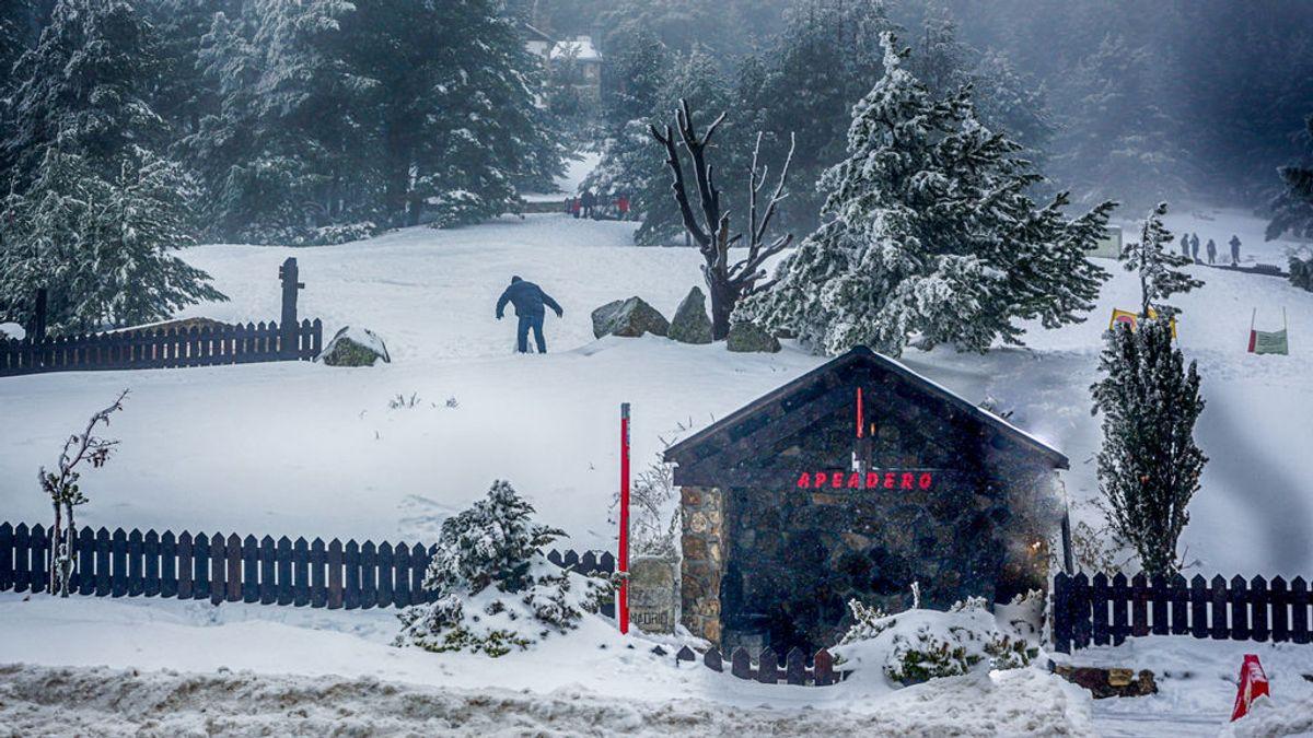 El Gobierno desmantelará la estación de esquí de Navacerrada por falta de nieve y exceso de turistas
