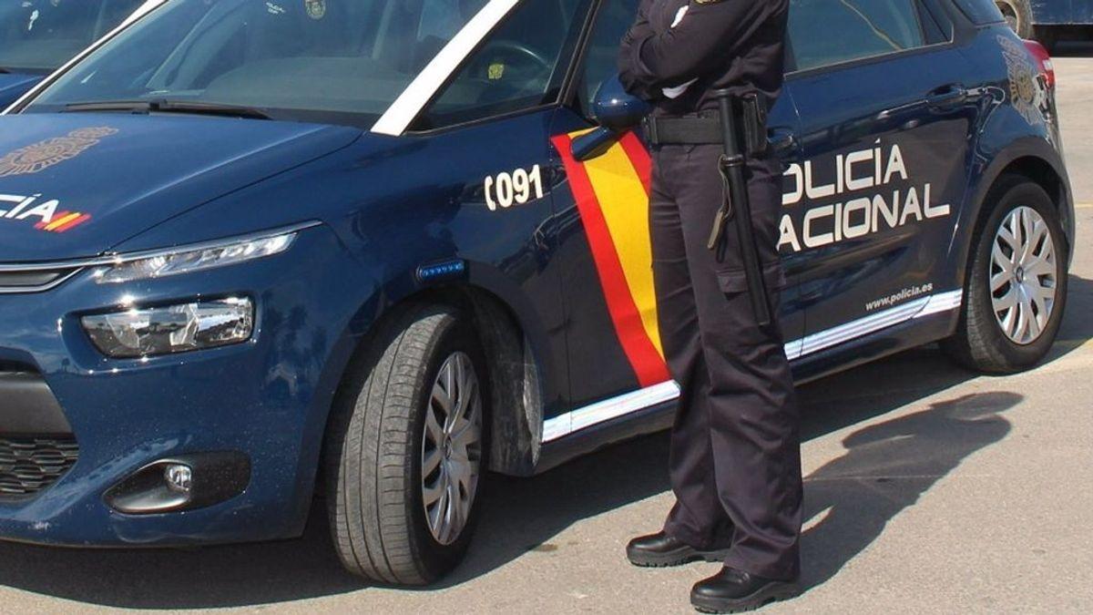 La Policía Nacional detiene a una madre tras amenazar a su hijo de 10 años con un cuchillo