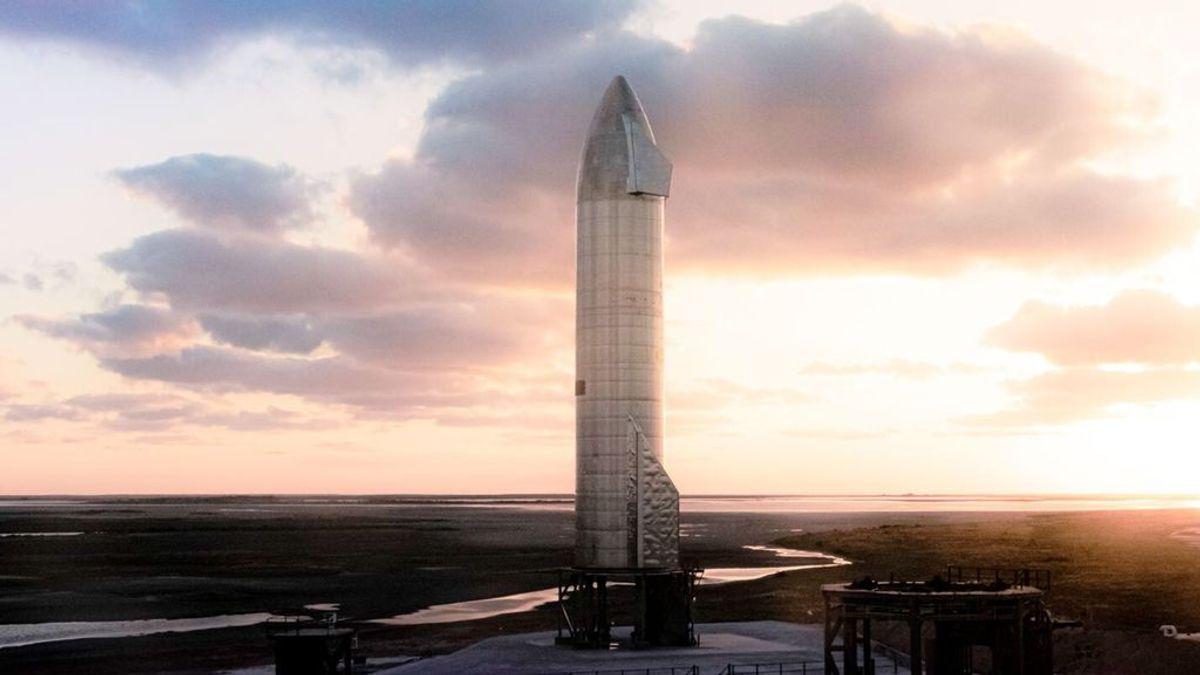 ¿Quieres ir a la luna? Cómo solicitar una de las ocho plazas gratis en la nave de Elon Musk