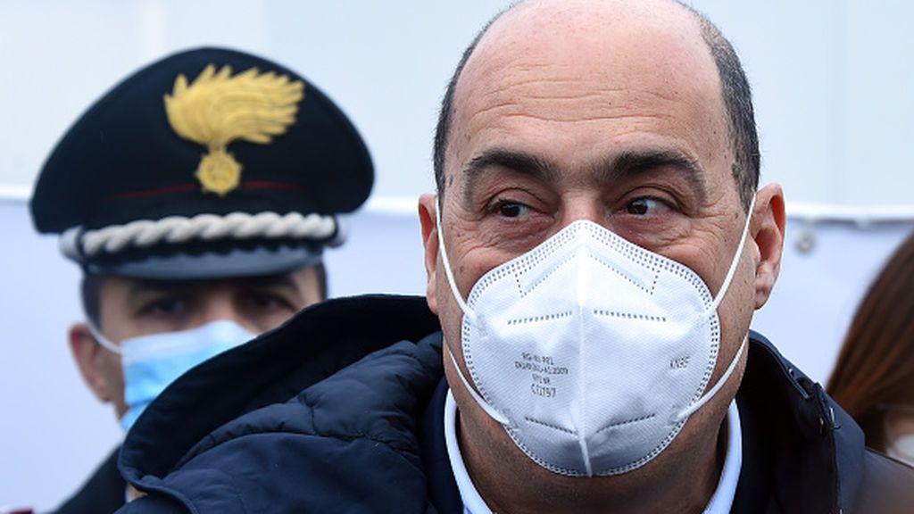 Dimite el líder de los socialistas italianos por discrepancias con su partido