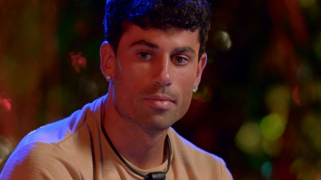 La reacción de Diego al descubrir otra infidelidad de Lola con Carlos