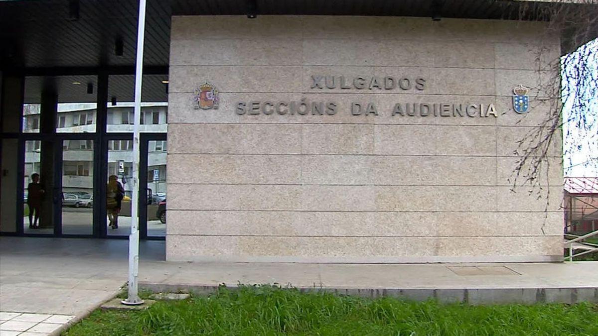 Condenada a un año de cárcel por espiar con un 'zapatófono' a su expareja