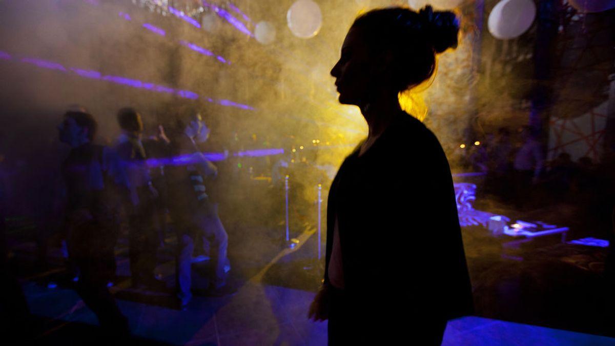 El 10% de los jóvenes cree que si una chica bebe mucho alcohol se expone a abusos sexuales, según un estudio