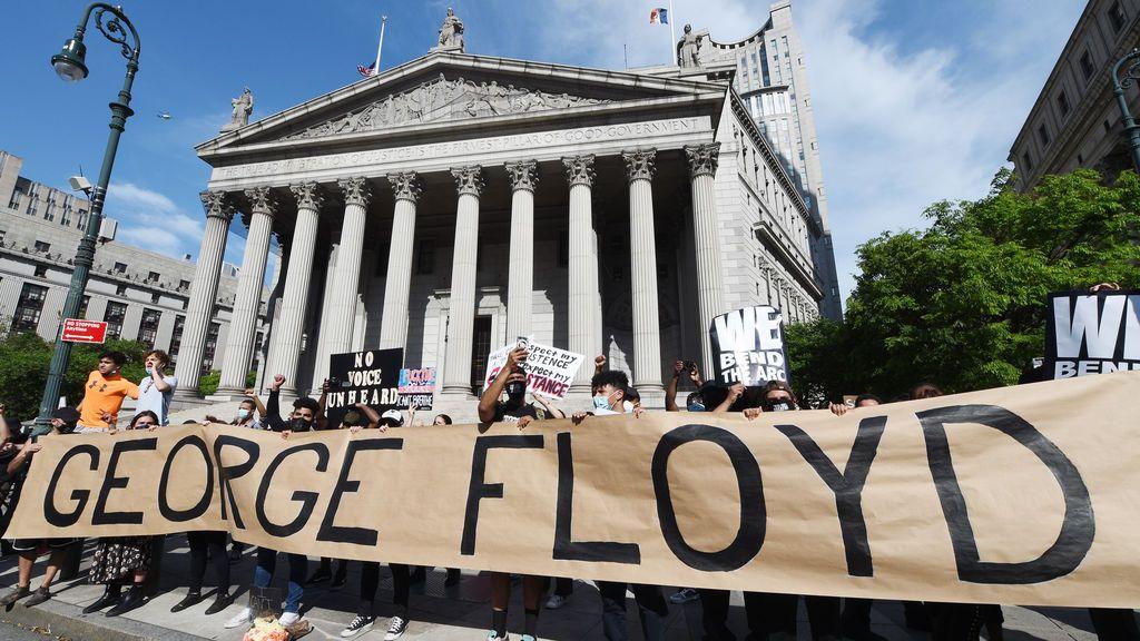 El espíritu de George Floyd impulsa una reforma policial histórica en Estados Unidos