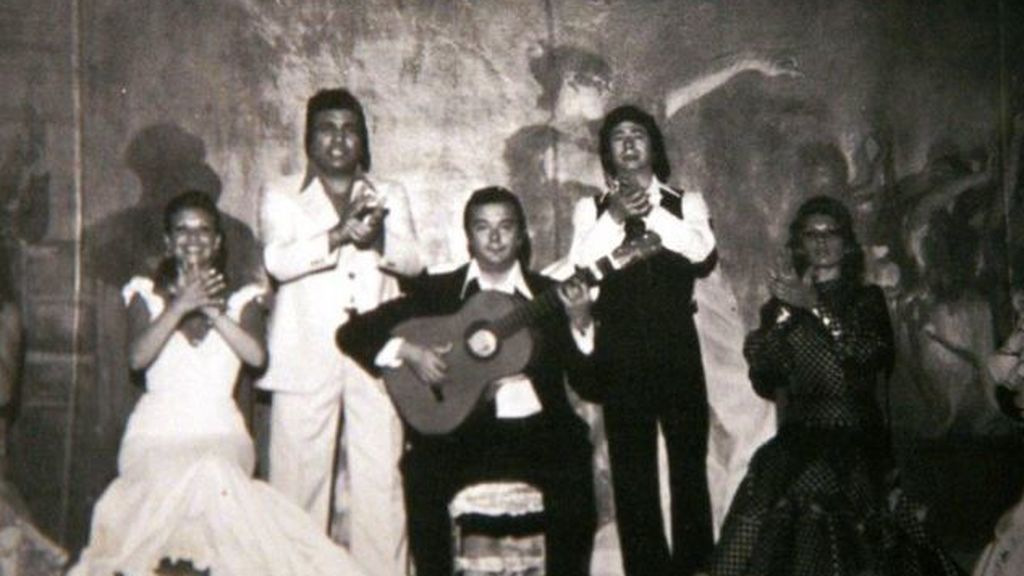 """Cierra el Villa Rosa, el tablao más antiguo del mundo: """"Miguel de Molina calentaba la voz en sus azulejos"""""""