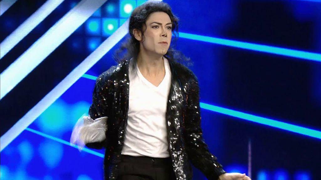 Un imitador de Michael Jackson visita 'Got Talent'