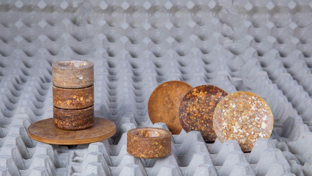 Piezas elaboradas con desperidicios dela producción de huevos