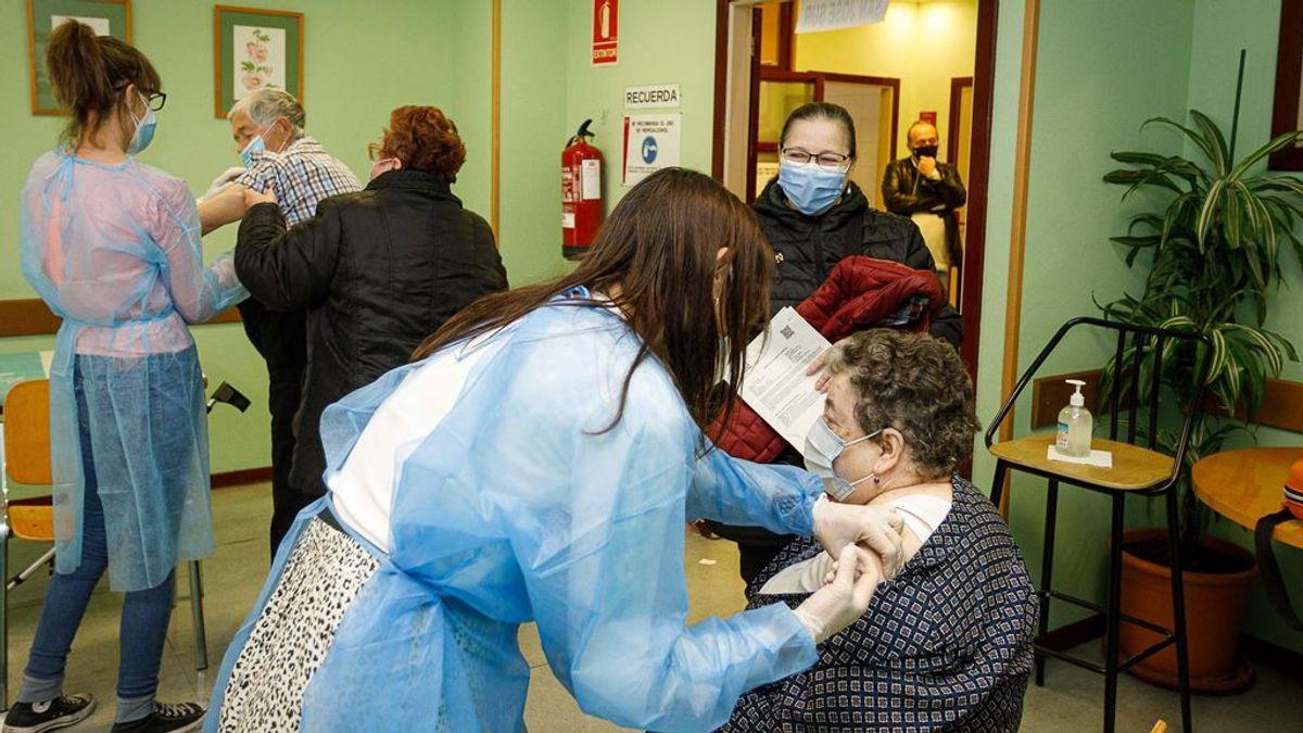 La Comunidad de Madrid prevé iniciar la vacunación de los mayores de 70 años a finales de marzo