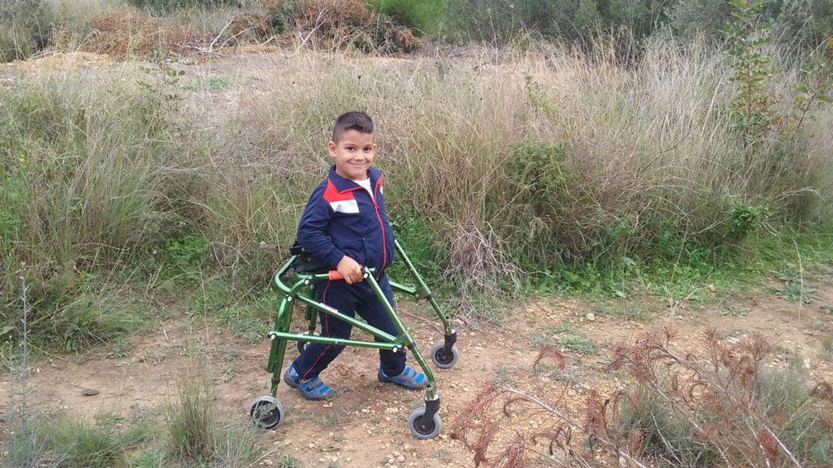 Joan, el niño de 10 años que ayuda a otros con parálisis cerebral a través de Instagram