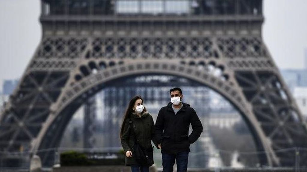 Francia advierte de que podría implantar la vacunación obligatoria a los sanitarios