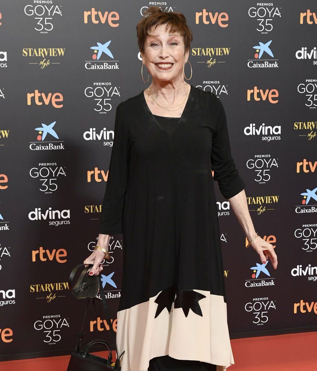 Verónica Forqué  en la alfombra roja de los Premios Goya 2021