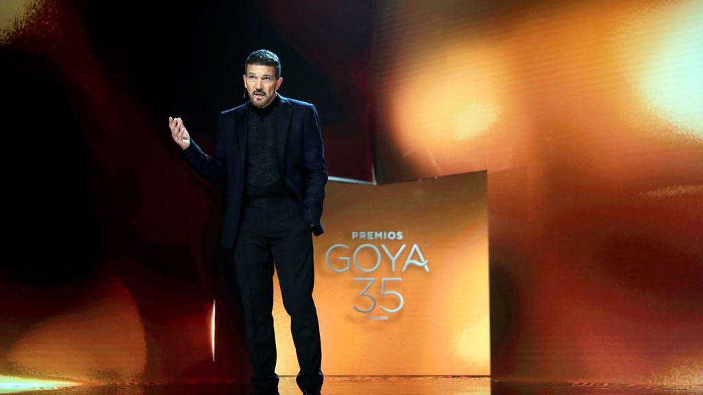 Antonio Banderas en la gala de la 35 edición de los Premios Goya