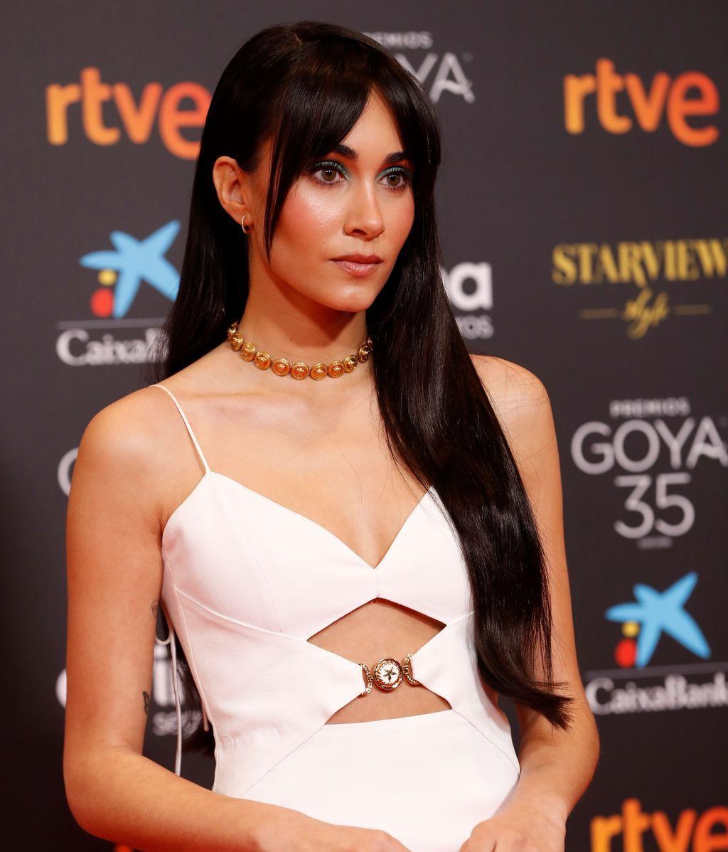 La cantante Aitana en la alfombra roja de los Premios Goya 2021